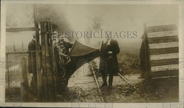 1918 Press Photo flag of kultur hauled down & replaced by Belgian flag, post WWI - Historic Images