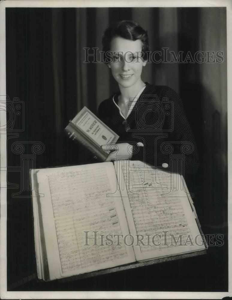 1931 Press Photo NBC adds 500 miniature music collections - nec29275 - Historic Images