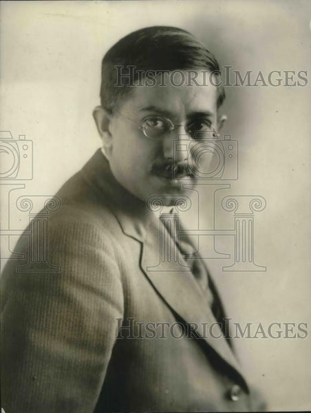1924 Press Photo Professor Squeiro Coutinho Portugese Knight Commander - Historic Images