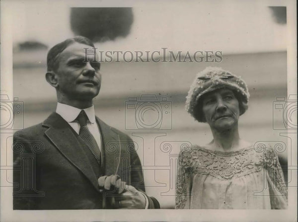 1922 Press Photo Arthur H Geissler with Mrs Geissler White House - nec36614 - Historic Images
