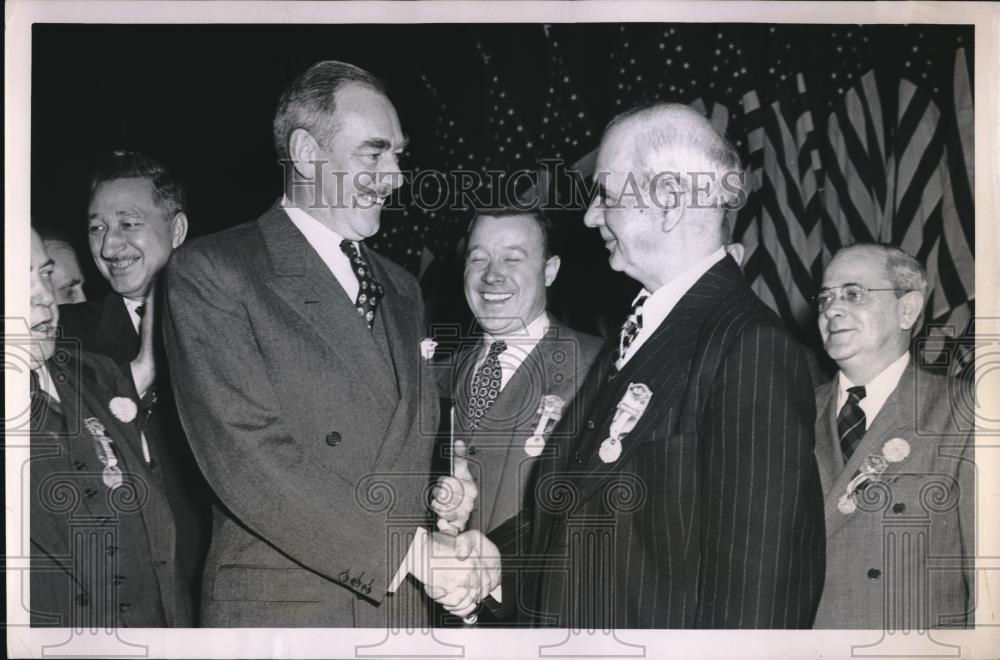 1940 Press Photo Dean Acheson greeted with handshake by Phillip Murray - Historic Images