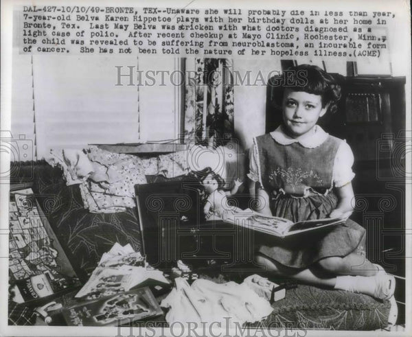 1949 Press Photo Belva Karen Rippetoe plays with dolls. She has a year to live. - Historic Images