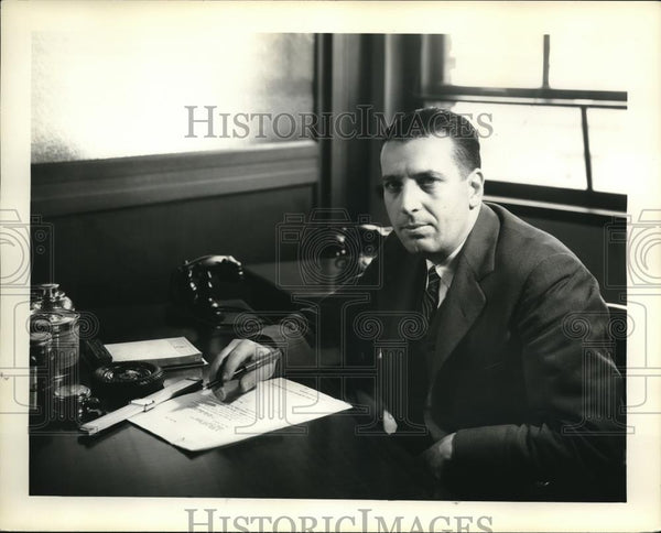 1932 Press Photo T.M. Rector of General Foods develops the Vita Fresh process of - Historic Images