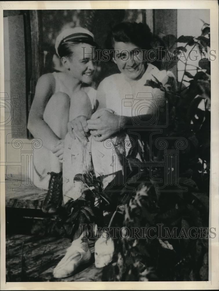 1931 Press Photo Mrs. Eppie Moss with Roommate Belleta Morse - Historic Images