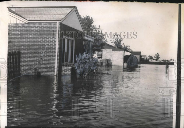 1957 Press Photo Chisholm creek Floods a Residential Area in Wichita - nec18210 - Historic Images