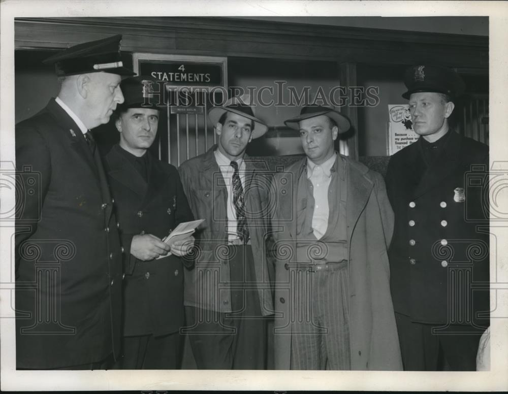 1946 Press Photo Andy & Richard Firth Captured After Robbing Detroit Bank - Historic Images