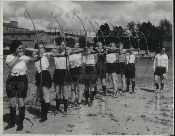 1932 Press Photo Archery Class in University of Southern California - nec37162 - Historic Images