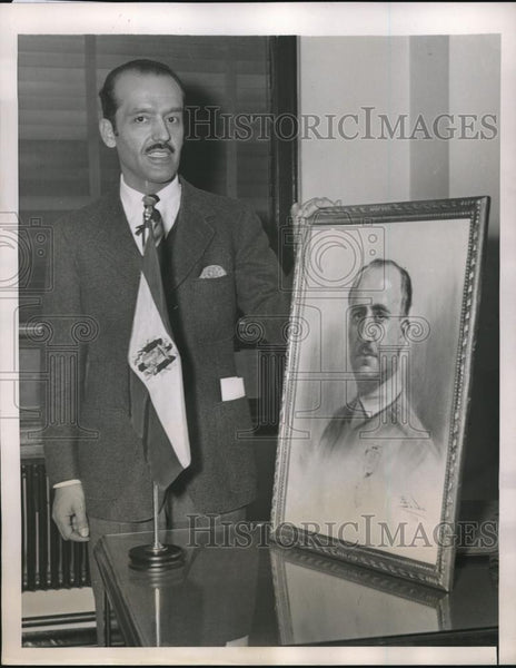 1939 Press Photo NYC, Jose de Gregorio & portrait of Gen F Franco of Spain - Historic Images