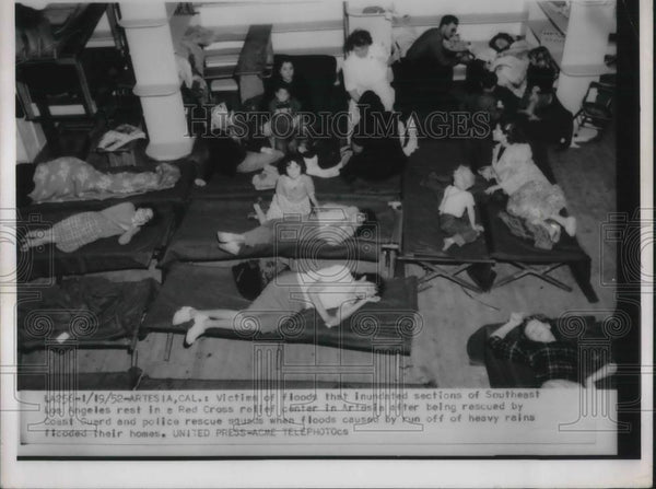 1952 Press Photo Victims of floods - Historic Images