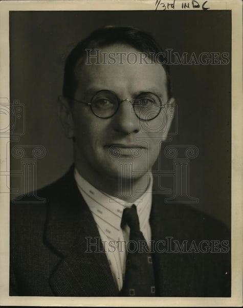 1928 Press Photo Arthur Garbett Continuity Editor For NBC Pacific Coast Network - Historic Images