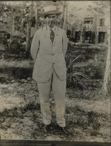 1923 Press Photo Brig. Gen. Ely Cole retires in Coconut Grove General cole serve - Historic Images