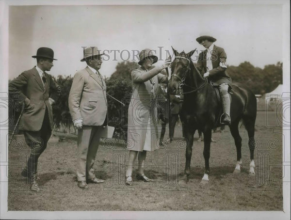 "1928 Press Photo Hon. Diana Allsopp on ""Fairlight"" - Historic Images"