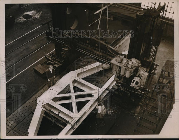 1936 Press Photo Huge Planer Cuts Section for 200 Inch Telescope - Historic Images