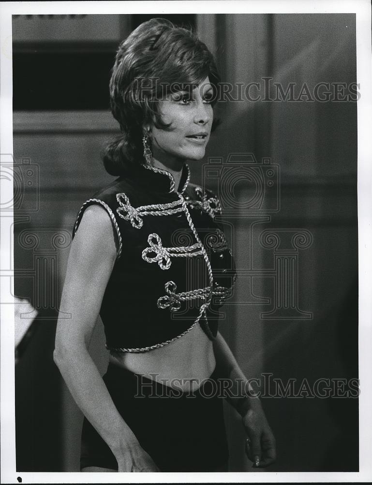 Press Photo Barbara Eden in Stonestreet - Historic Images