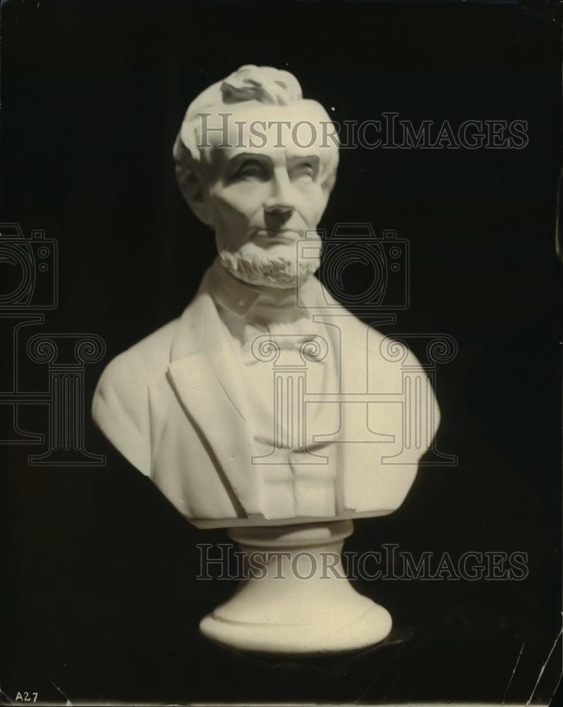 1919 Press Photo Sculpted bust of Abraham Lincoln - Historic Images