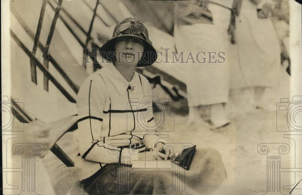 1923 Press Photo Mrs. John McCormick on the Beach at Miami - Historic Images