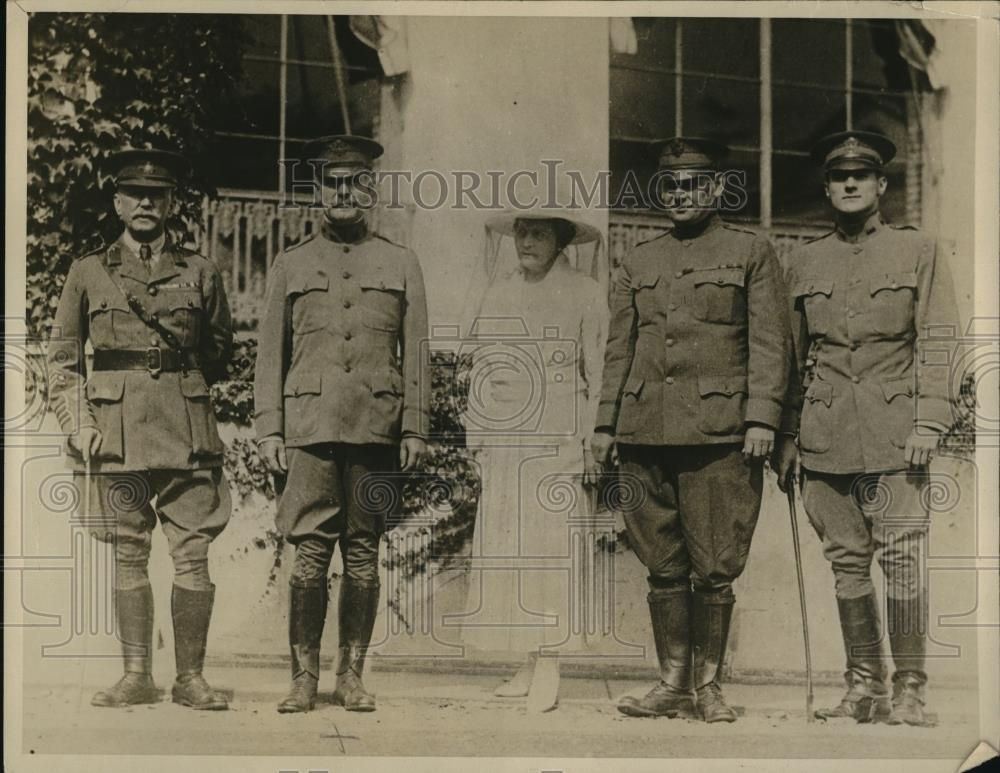 1918 Press Photo Lt. Col Berry, General George Hutchinson, Col & Mrs Frank Beach - Historic Images