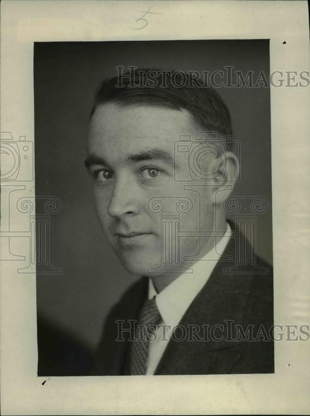 1924 Press Photo Phillip Julian Sinnott, Chief, Coach Bureau, NEA - Historic Images