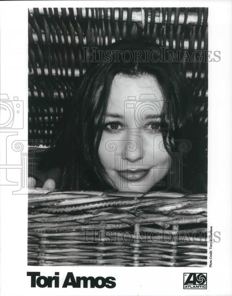 1999 Press Photo eight-time Grammy Award-nominated American singer-songwriter, - Historic Images