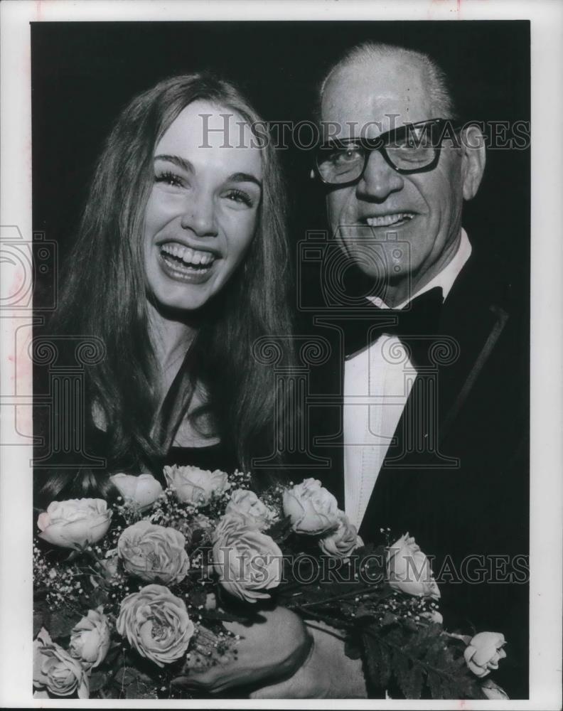 1972 Press Photo Miss Teenage America Colleen Fitzpatrick and Emile A   Legros