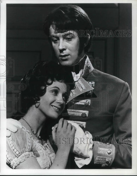 Press Photo Marilyn Taylerson and Roy Marsden in Vanity Fair - cvp12044 - Historic Images