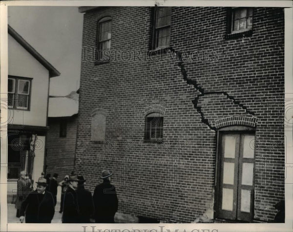 1940 Press Photo Crack walls of the building in Shenandoah, Pennsylvania - Historic Images