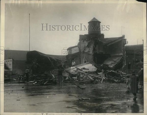 1926 Press Photo Blast Wreaks Philadelphia Dairy, Burying Four In Ruins - Historic Images
