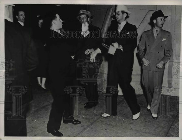 1937 Press Photo LA Newspaper Photographer at the American Legion Hall - Historic Images