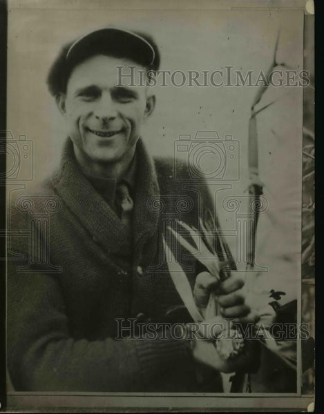 1926 Press Photo Slanek Harvesting Corn - Historic Images