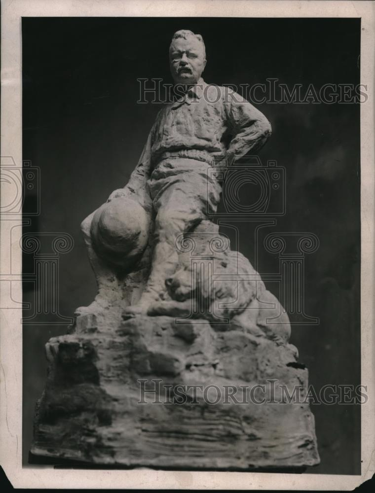 1922 Press Photo Roosevelt Statue - Historic Images