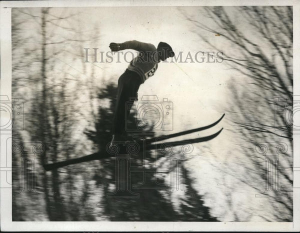 1932 Press Photo The perfect ski jump by Ernesto Zardini of Italy - nes24431 - Historic Images