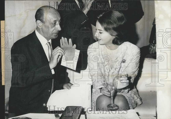 1960 Press Photo Producer Ernest Neubach and Eleonora Rossi Drago - Historic Images