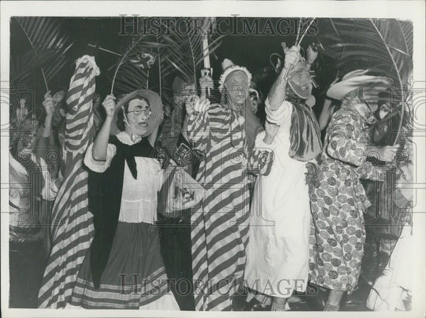 1955 Press Photo Festival of Carnival and Dancing in Spain - Historic Images