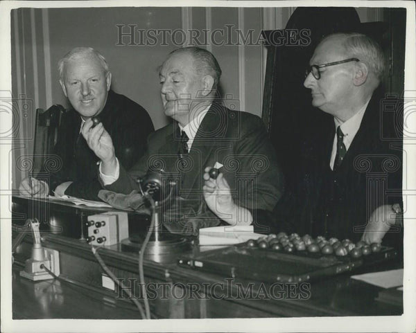 1957 Press Photo F.A. Cup Draw - Historic Images