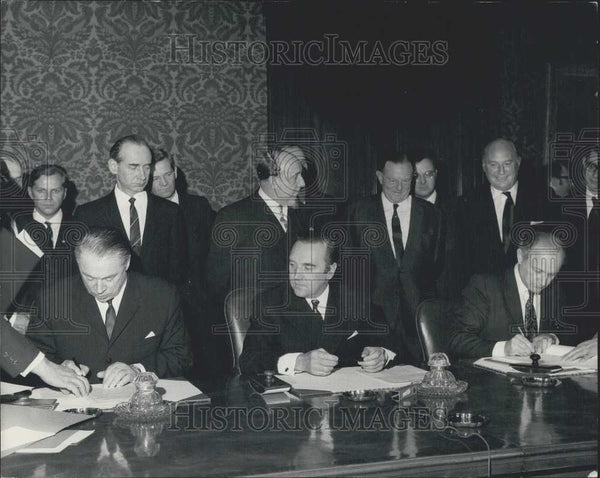 1970 Press Photo U.K/U.S.S.R Air Services Agreement Supplementary Protocol - Historic Images