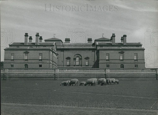 1910 Press Photo Holkham Hall Norfolk home of Earl of Leicester - Historic Images