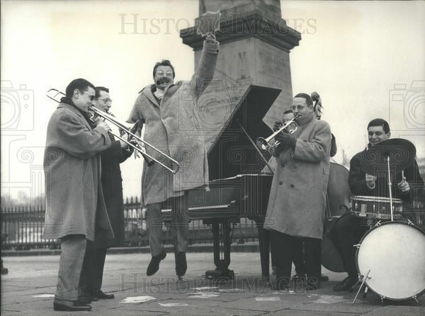 1959 Press Photo Famous Jazz Musician Jack Dieval Playing at The Obelisk - Historic Images