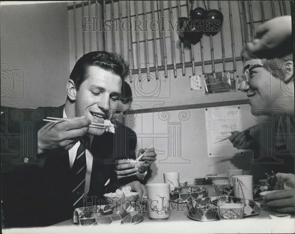 Press Photo White Men Try to Eat With Chopsticks - Historic Images
