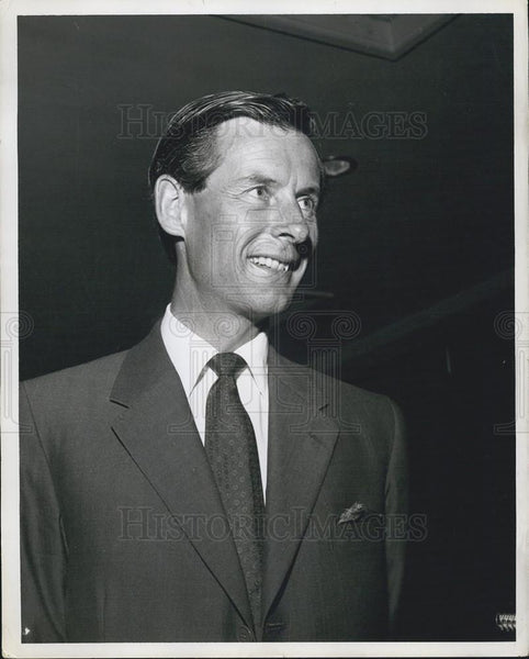 1958 Press Photo Group Captain Townsend in Miami Filming ââ¬ÅThe Lone Journeyââ¬Â - Historic Images