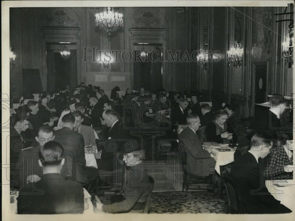 1936 Press Photo A view of the ballroom in the Stevens hotel in Chicago - Historic Images