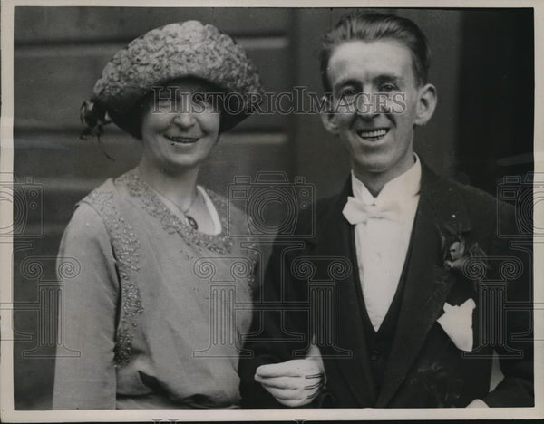 1922 Press Photo Heiress Janet Nichol Weds Robert Turner of Caledonian Railway - Historic Images