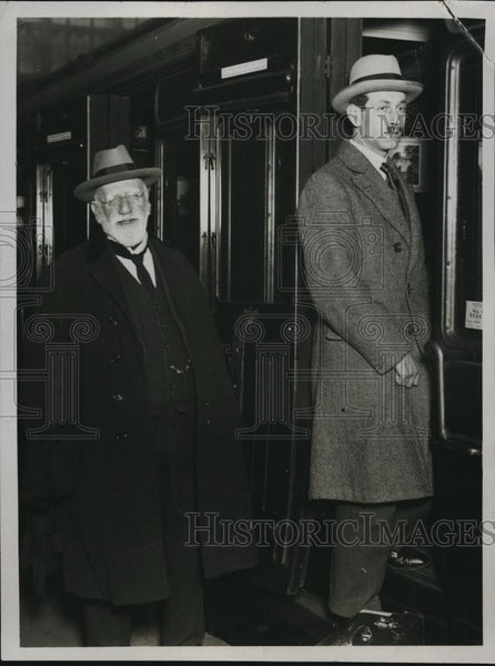 1923 Press Photo Lord Ducie at St Francis Station on way to Australia - Historic Images