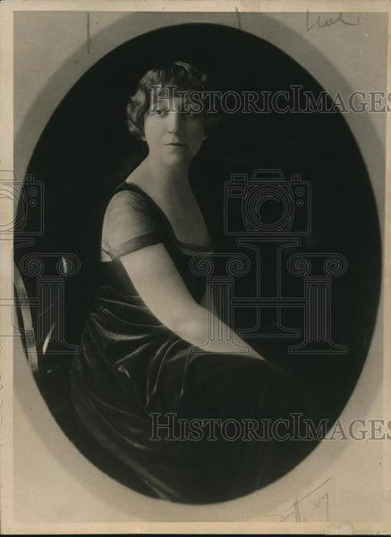 1918 Press Photo Mrs Fetine Santoris wife of grand nephew of Gen Grant - Historic Images