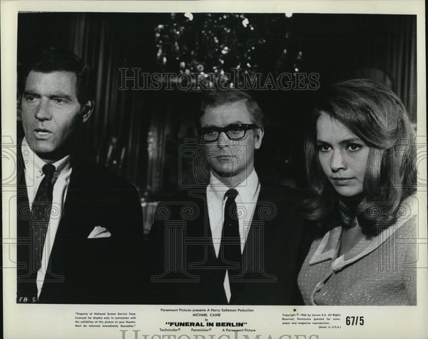 1966 Press Photo Michael Caine in Funeral in Berlin - cvp28235 - Historic Images