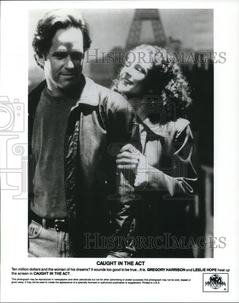 1994 Press Photo Gregory Harrison and Leslie Hope in Caught in the Act - Historic Images