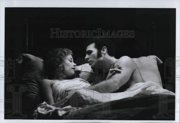 Press Photo Marin Mazzie & Jere Shea in passion - cvp24596 - Historic Images