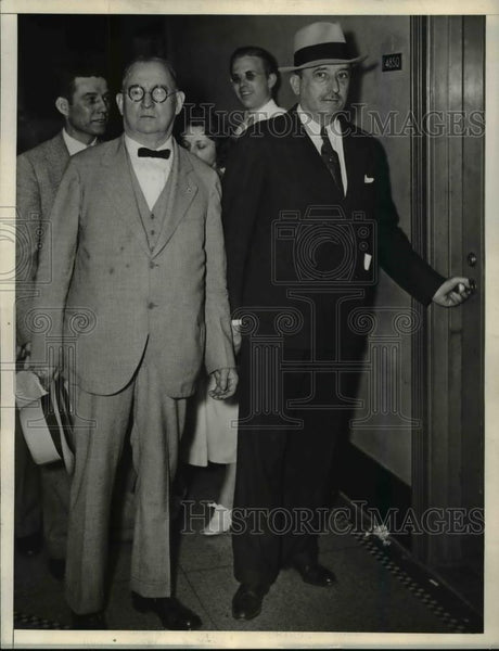 1934 Press Photo Mike Tighe and Edward McGrady Discussing Steel Strike - Historic Images