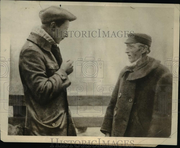 1919 Press Photo Ex Crown Prince William of England Talking w Dutch Neighbor - Historic Images