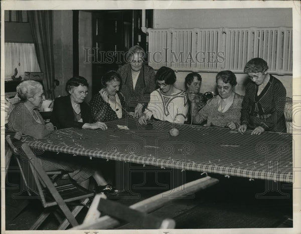 1922 Press Photo Sewing group of East Cleveland Women's Club - Historic Images