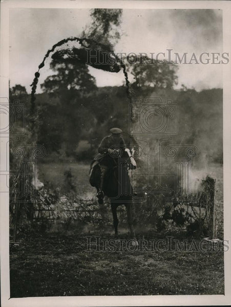 1926 Press Photo 16/5 Lancers Trick Horse Riding, British Army, Tidworth - Historic Images